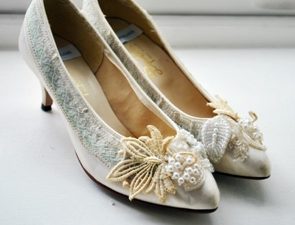 egg shell - embellished bridal shoes (6.5)