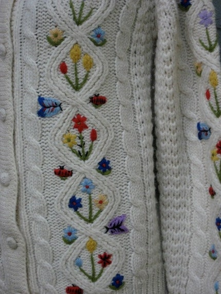 FANTASTIC Vintage Wool Sweater w Ladybugs Butterflies and Flowers