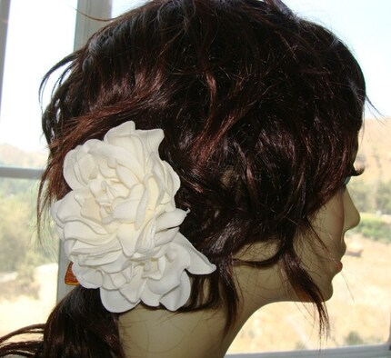 color: Product Description. GARDENIA FLOWER HAIR PICK FGAR3 3