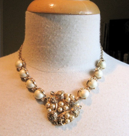Pearl and Rhinestone Rosy Gold Necklace