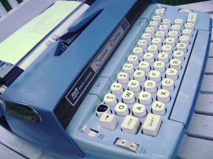 Etsy 1970's Smith Corona Electric Coronet 12 Typewriter, Case and Key