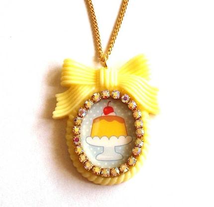 Kawaii Pudding Cameo Necklace