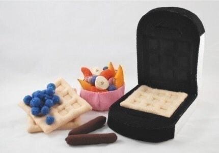 BLUEBERRY WAFFLES - PDF Felt Food Pattern (Waffles, Waffle Iron, Blueberries, Sausage, Fruit Cup, Fruit Slices)