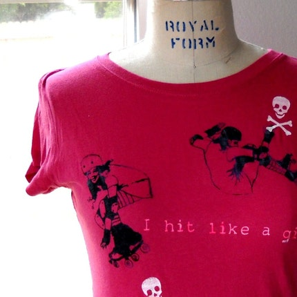 I hit like a Roller Girl tee sx JUNIORS L