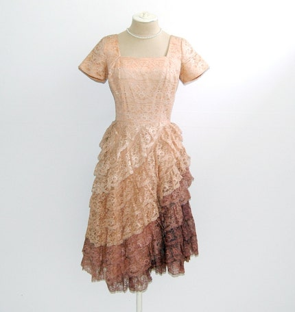 The Daisie- Vintage 1950s Pin Up Bombshell Cha Cha Grease Rockabilly Pale Pink Peach Lace Mesh Tulle Ombre Ruffles Short Sleeves Summer Party Cocktail Full Skirt Dance Dress Size 6 Medium M