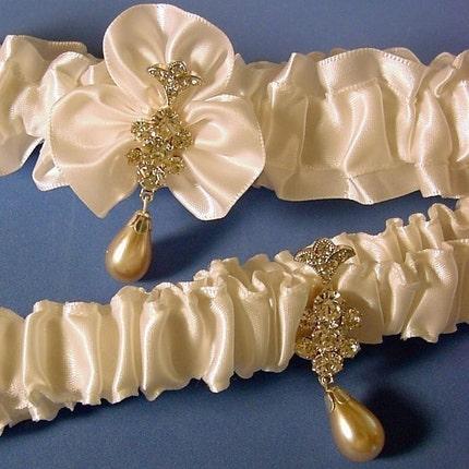 UNE FLEUR CRISTALLINE wedding garter set In WHITE a PETERENE ORIGINAL design Swarovski crystals