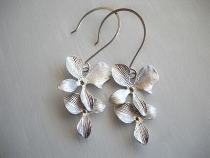 Orchid Dangle Earrings in Matte Silver