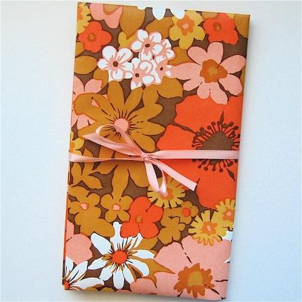Vintage Birge Wallpaper - 1960s 1970s groovy flowers