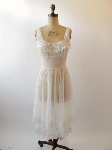 Vintage 1950s 60s Wedding White Nightgown
