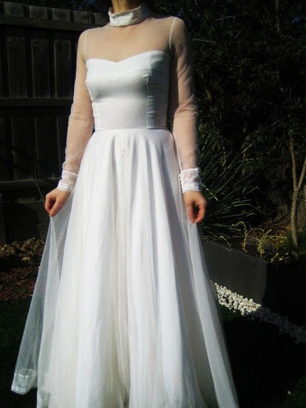 Vintage wedding dresses a list weddingbee for Wedding dresses harrisburg pa