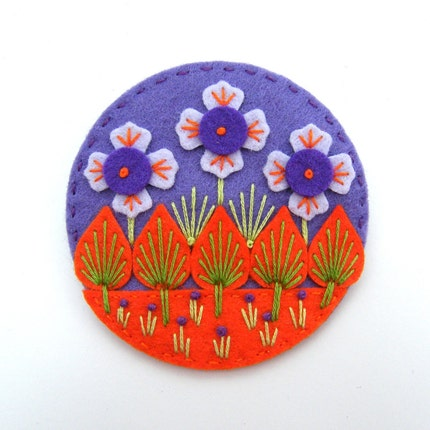 UNIQUE WONDERLAND FELT BROOCH WITH FREEFORM EMBROIDERY