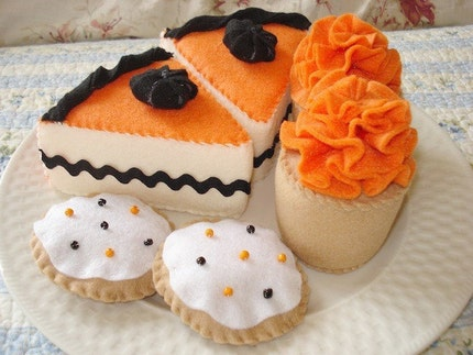 Limited Edition Felt Halloween Dessert Set
