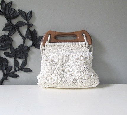 white SUNSHINE summer macrame purse