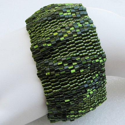 Large Olivine Ripples Peyote Cuff (2522)