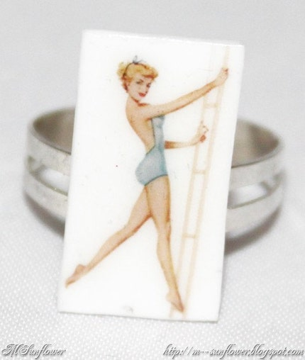 adult vintage playing cards of couple