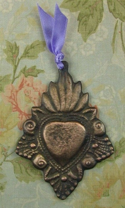 NEW-- SPECIAL EDITION//// FANTASTIC MEXICAN FOLK ART ANTIQUED PATINA LARGE VICTORIAN/LUMINOUS HEART MILAGRO