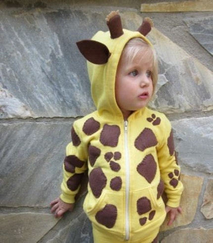 DIY costume giraffe