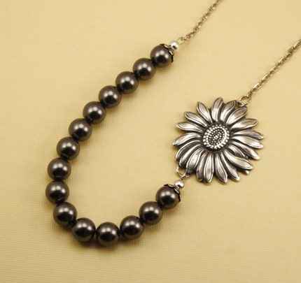 Vintage Style Sunflower Bloom Necklace - Dark Gray Pearls and Silver