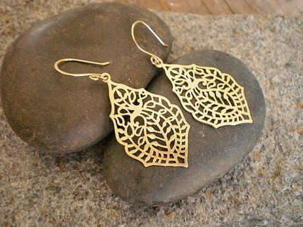 Gold Paisley Filigree Earrings