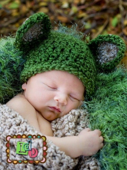 Newborn HAT Teddy Bear Baby Photo prop in Grass Green/Creamy