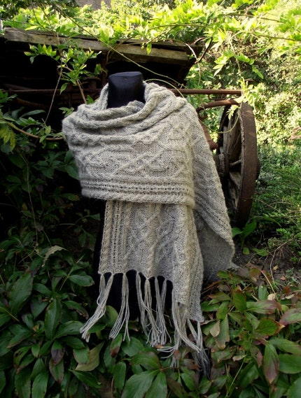 Cloudy Morning shawl with celtic cable pattern