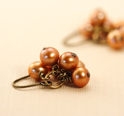 Little Bunches of Pearls Earrings - Bronze Brown