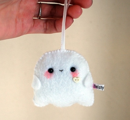 Kawaii Ghost Halloween Ornament - Pale Green Heart