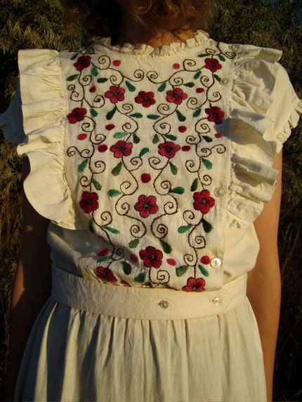 EAST OF THE SUN AND WEST OF THE MOON 1970s Folk Floral Gypsy Dress