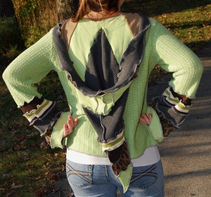 MoMs MaKiNg PeA sOuP - Hoodie - MED/LARGE - Made from recycled sweaters