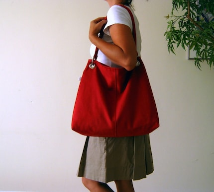 Bayan Hippo Handmade: Classy Hobo Bag in Carmine Red