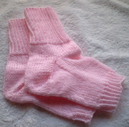 Flip flop socks -- light pink -- size 8-1/2 to 10