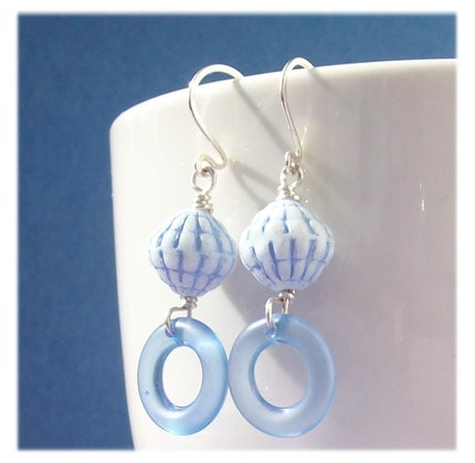 handmade beaded earrinsg blue vintage lucite hoops