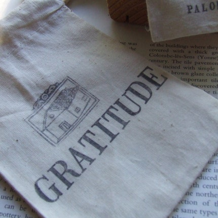GRATITUDE gift bag in natural cotton with handstamped text