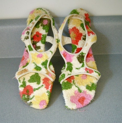 Mod Carpet Sandals, Size 8 - 8.5