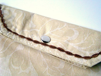 Etsy :: craftsfromtheheart :: Bone, Ivory Vinyl clutch with Brown trim