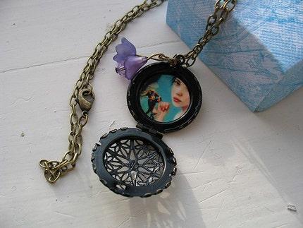 Napoleon-round-my-finger locket - wearable art