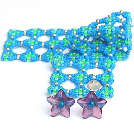 REDUCED PRICE  Kepler's Star Bracelet -- Blue and Lime Green