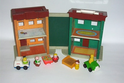 RARE 1974 Fisher Price Play Family Sesame Street Apartment