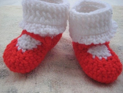 RED VALENTINE MARY JANE BOOTIES FOR BABYS - SIZE 0-6 MONTHS - ON SALE