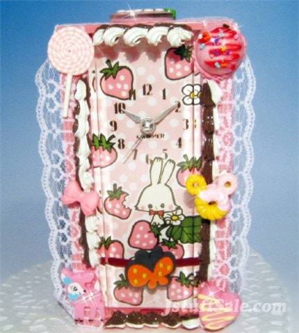 Swimmer table clock with sweets decoration