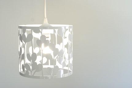 vertical leaf pendant light