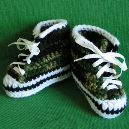 Baby Camo High Top Sneaker Booties Size 0-6 months