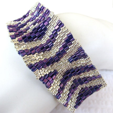 Silver Hugs and Kisses on Purple Peyote Cuff Bracelet (2361)