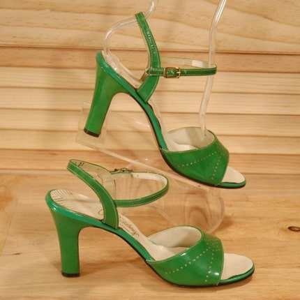 Balenciaga Vintage 70s Green Patent Leather Heels Size 7