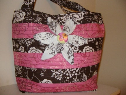 Felicity's Flower Tote by southerncharmquilts on Etsy