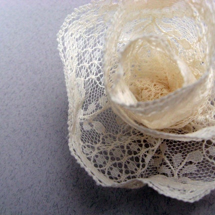 A Little Bit of Romance - 1 Delicate Ivory Lace Rose Hair Pin - Large Size