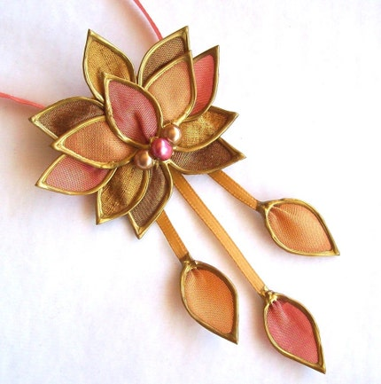 Gold'n'Peaches Lotus necklace (and brooch)