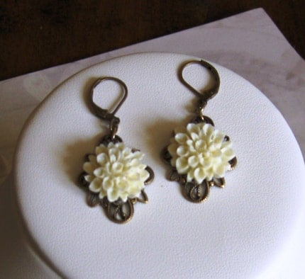 Handmade Jewelry on Etsy - Dahlias in Ivory by smilingsunshine60