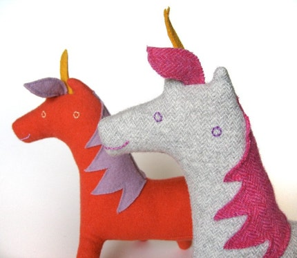 Unicorn no.27 white and grey herringbone with bright pink herringbone details
