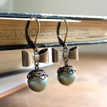 Dressed Up Pearl Earrings